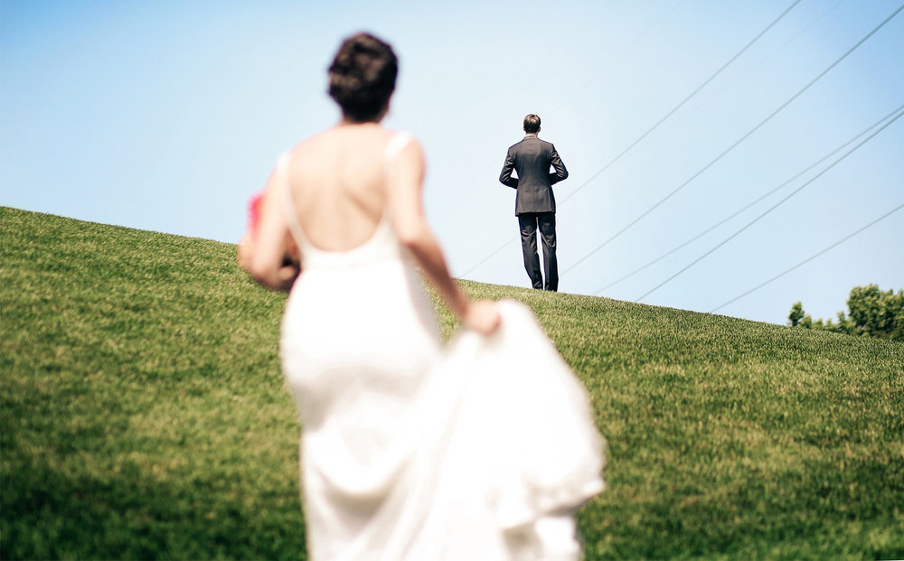 05-Minneapolis-Minnesota-Wedding-Photography-by-Vick-Photography-First-Look-Blue-Sky-Lalu-&-John.jpg