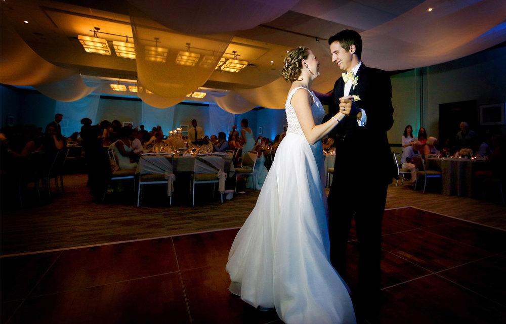 17-Minneapolis-Minnesota-Wedding-Photography-by-Vick-Photography-Edina-Westin-Hotel-Reception-First-Dance-Grace-&-Nick.jpg