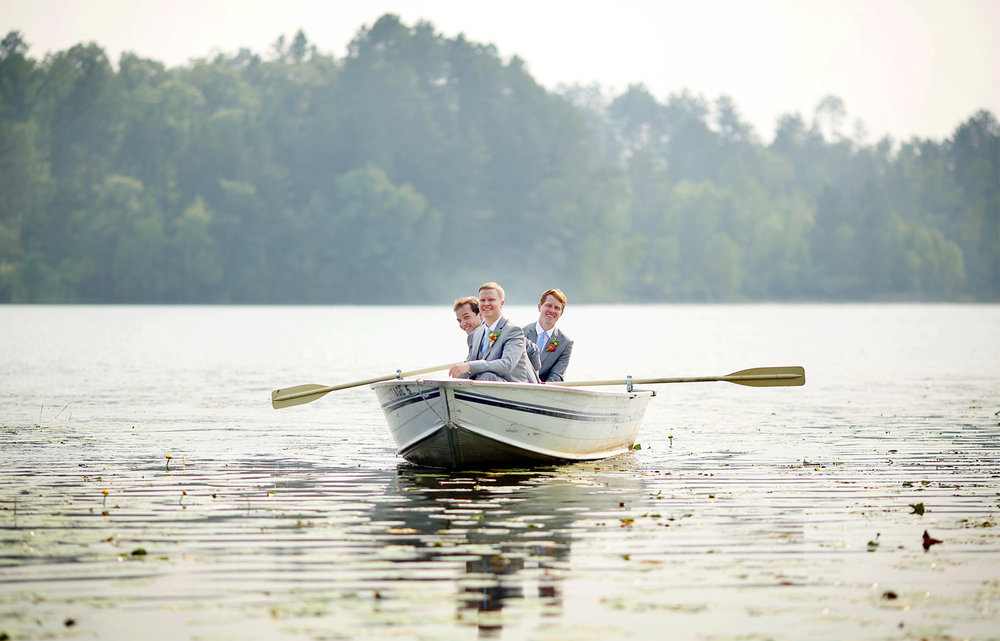 09-Wisconsin-Wedding-Photography-by-Vick-Photography-Destination-Wedding-Midwest-Trego-Lake-Row-Boat-Brittany-&-Matthew.jpg