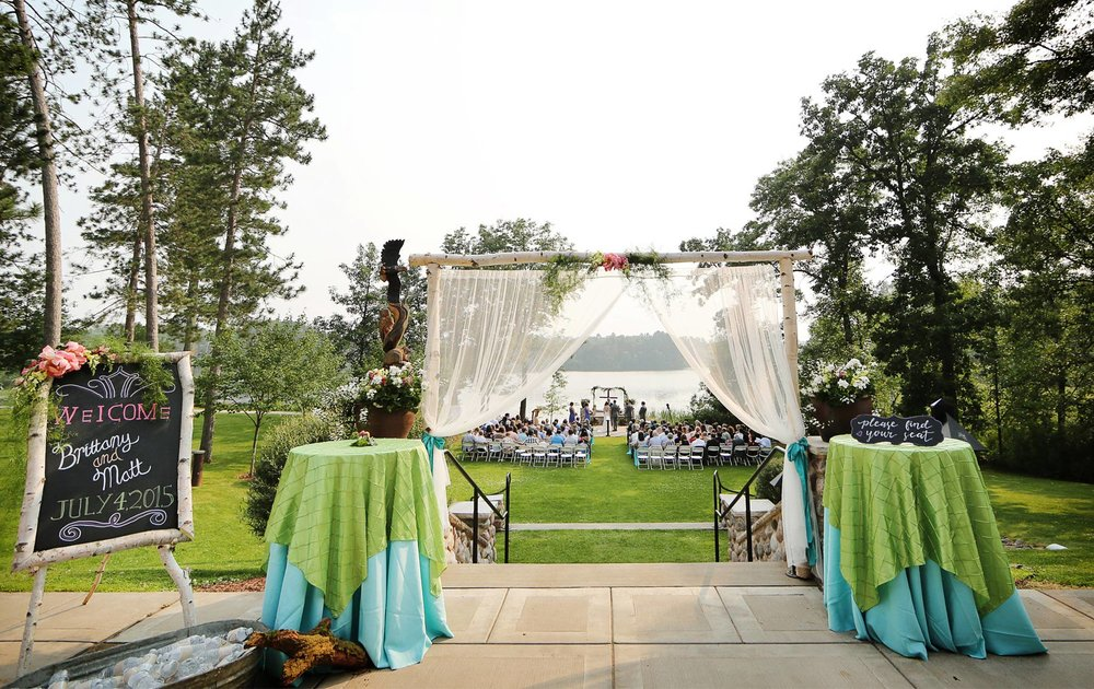 11-Wisconsin-Wedding-Photography-by-Vick-Photography-Destination-Wedding-Midwest-Trego-Lake-Ceremony-Outdoor-Brittany-&-Matthew.jpg