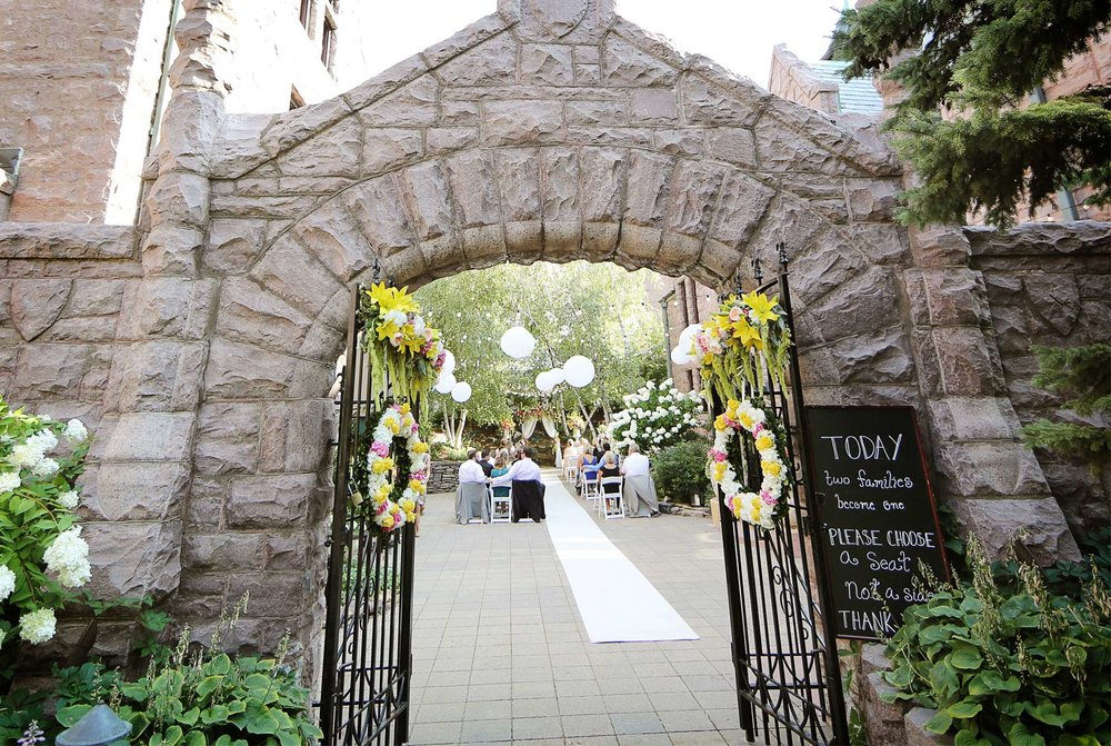 06-Minneapolis-Minnesota-Wedding-Photography-by-Vick-Photography-Van-Dusen-Mansion-Ceremony-Outdoor-Jenny-&-Steve.jpg