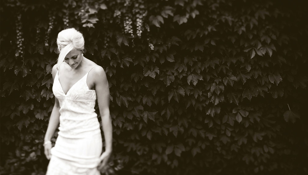 01-Stillwater-Minnesota-Wedding-Photography-by-Vick-Photography-Camrose-Hill-Outdoor-Woods-Rustic-Bride-Tina-&-Eric.jpg