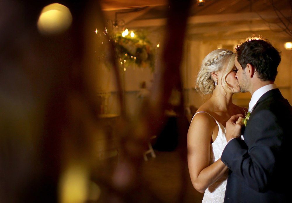 19-Stillwater-Minnesota-Wedding-Photography-by-Vick-Photography-Camrose-Hill-Reception-First-Dance-Tina-&-Eric.jpg