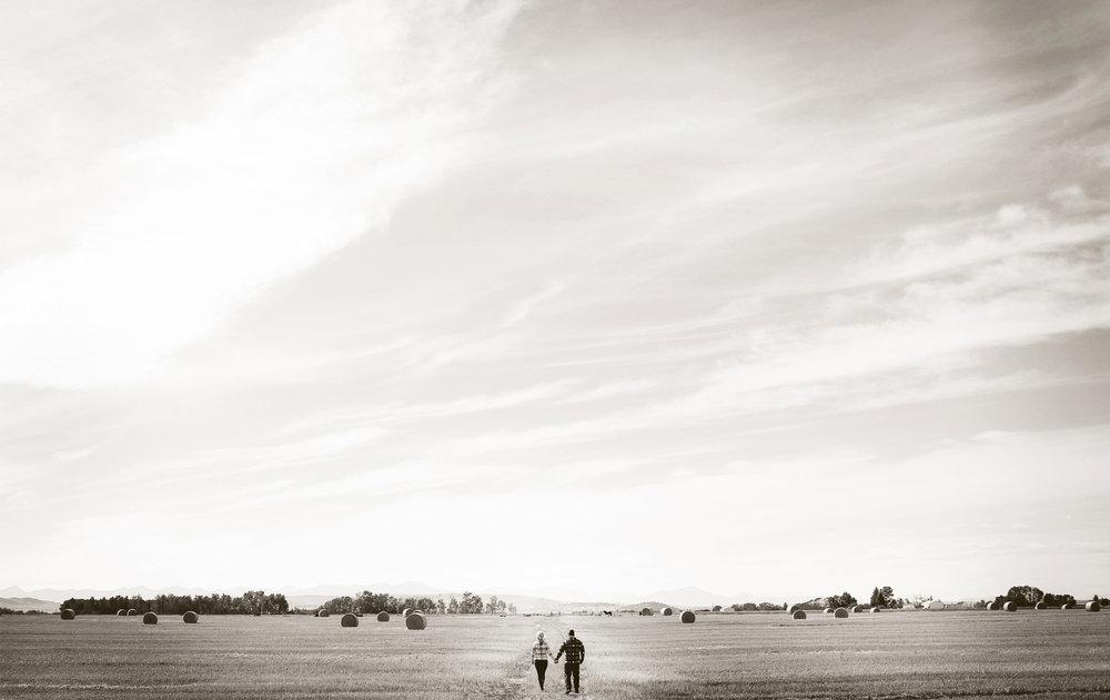 01-Bozeman-Montana-Engagement-Photos-by-Vick-Photography-Destination-Rustic-Mountain-Fields-Molly-&-Carson.jpg