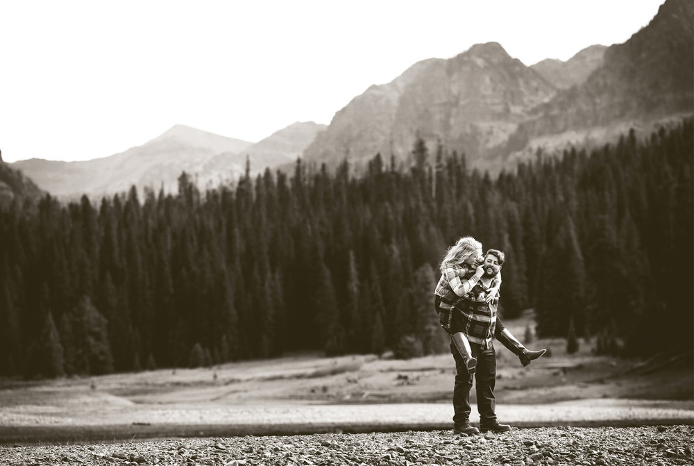 02-Bozeman-Montana-Engagement-Photos-by-Vick-Photography-Destination-Rustic-Mountain-Fields-Molly-&-Carson.jpg