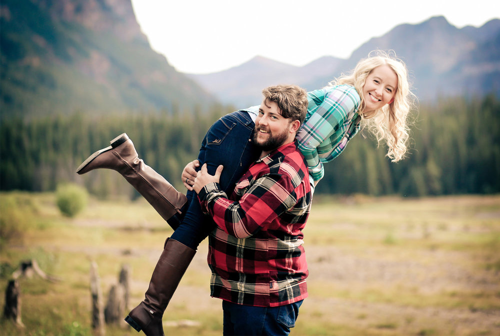 05-Bozeman-Montana-Engagement-Photos-by-Vick-Photography-Destination-Rustic-Mountain-Fields-Molly-&-Carson.jpg