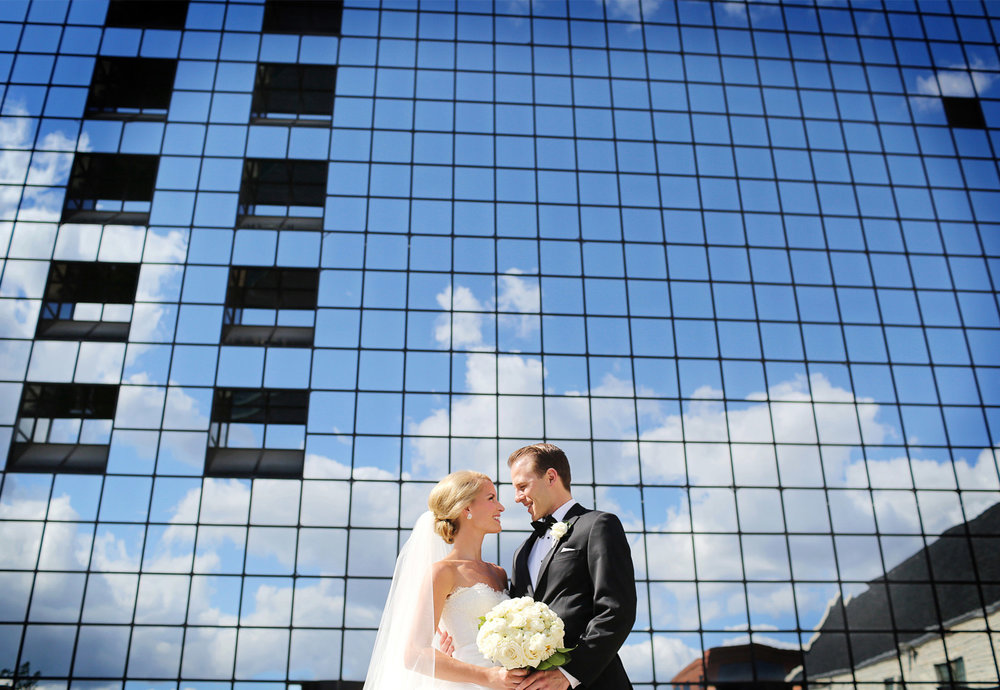 10-Minneapolis-Minnesota-Wedding-Photography-by-Vick-Photography-Downtown-Sarah-&-Brett.jpg