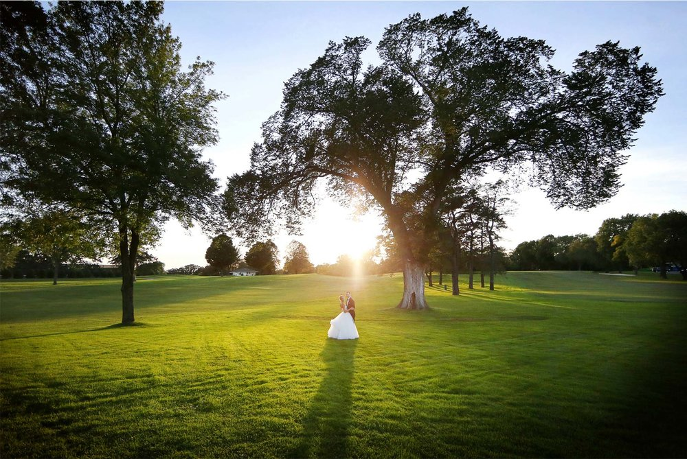 21-Minneapolis-Minnesota-Wedding-Photography-by-Vick-Photography-Sunset-Minikahda-Country-Club-Sarah-&-Brett.jpg