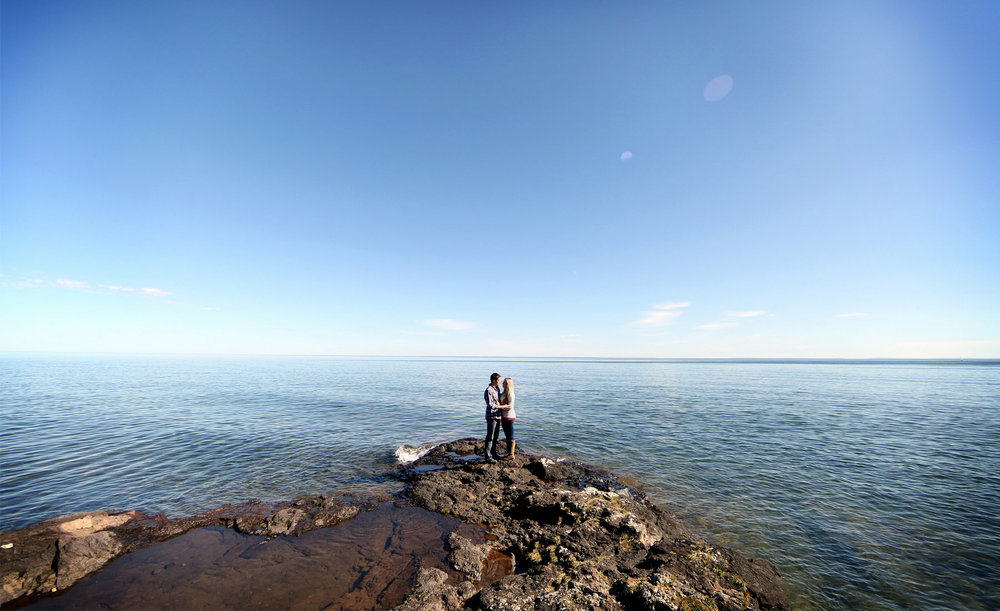 01-Duluth-Minnesota-Engagement-Photography-by-Vick-Photography-Lake-Superior-Rustic-Woods-Nature-Destination-Engagement.jpg