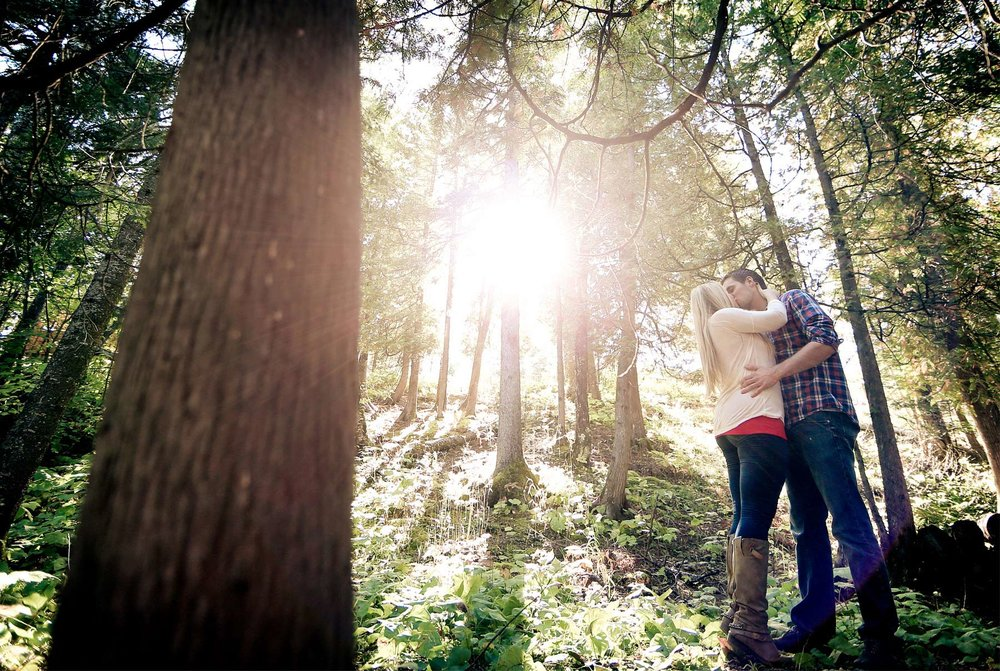 03-Duluth-Minnesota-Engagement-Photography-by-Vick-Photography-Rustic-Woods-Nature-Destination-Engagement.jpg