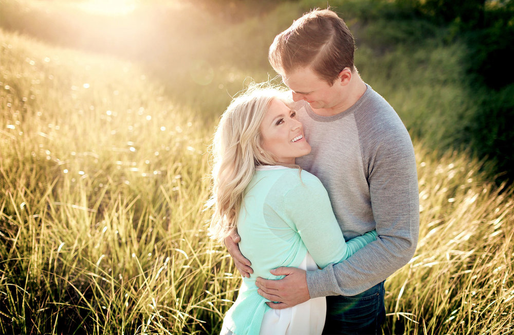 05-Duluth-Minnesota-Engagement-Photography-by-Vick-Photography-Rustic-Woods-Nature-Destination-Engagement.jpg