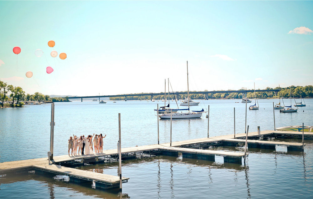 07-Stillwater-Minnesota-Wedding-Photography-by-Vick-Photography-Giant-Balloons-Lake-Balloon-Release-Bridesmaids-Tara-&-Ryan.jpg