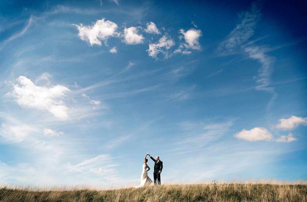 08-Stillwater-Minnesota-Wedding-Photography-by-Vick-Photography-First-Look-Blue-Sky-Tara-&-Ryan.jpg