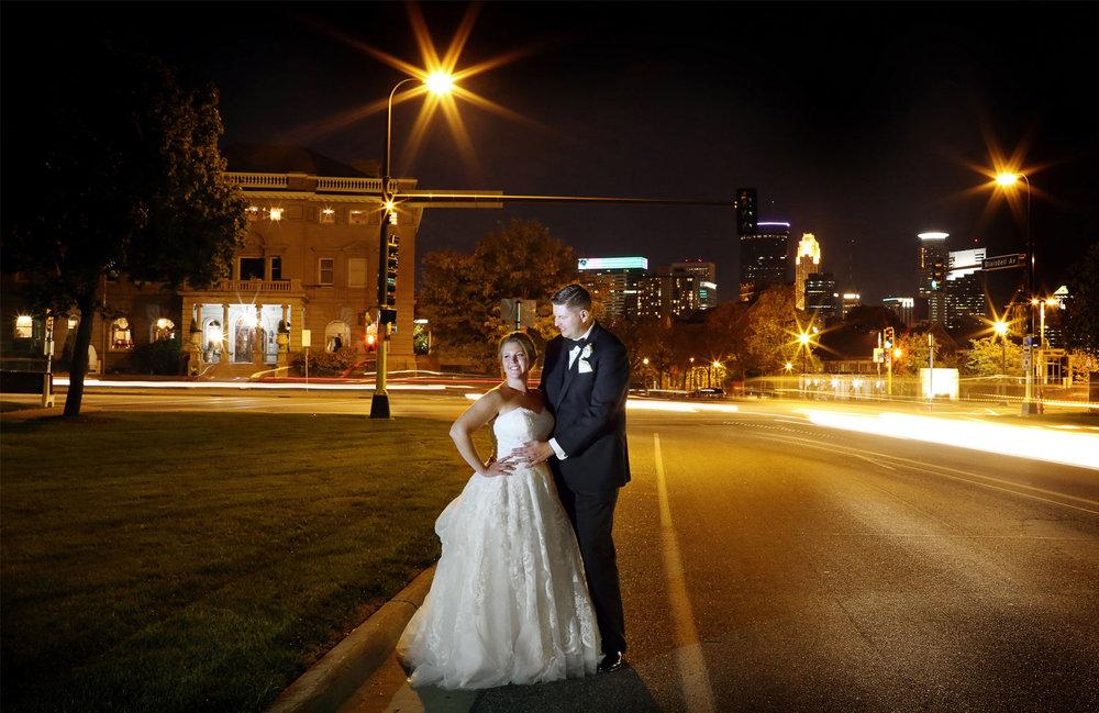 18-Minneapolis-Minnesota-Wedding-Photography-by-Vick-Photography-Downtown-Night-Photography-Caitlin-&-Derrick.jpg