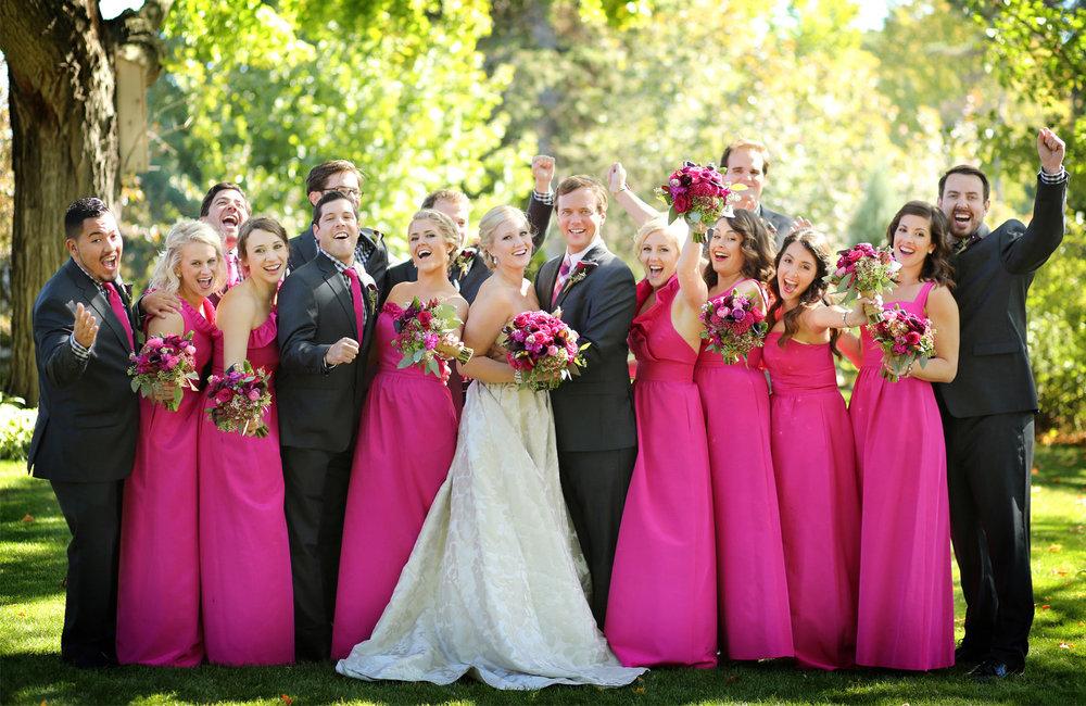 06-Minneapolis-Minnesota-Wedding-Photography-by-Vick-Photography--Calhoun-Beach-Club-Garden-Wedding-Party-Group-Kristen-&-Nick.jpg