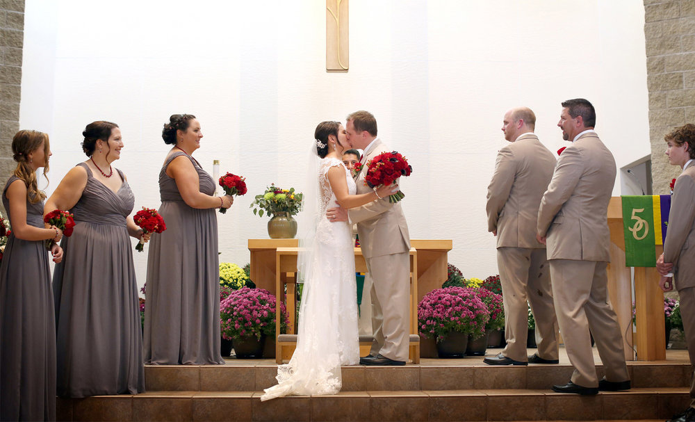 03-Minneapolis-Minnesota-Wedding-Photography-by-Vick-Photography-Shepard-of-the-Hills-Lutheran-Church-Ceremony-Courtney-and-Kevin.jpg