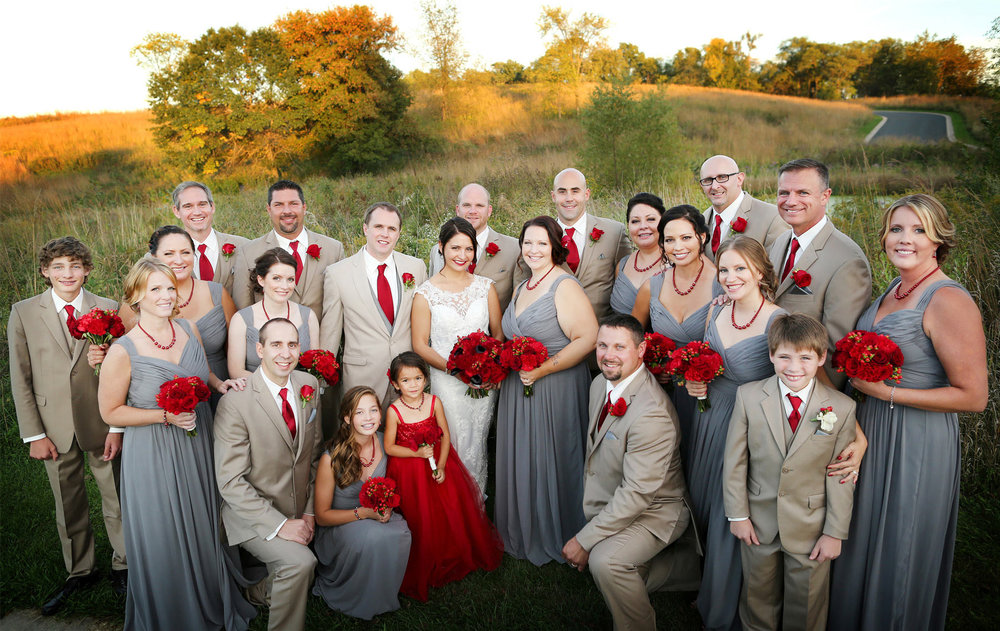 06-Minneapolis-Minnesota-Wedding-Photography-by-Vick-Photography-Wedding-Party-Groups-Garden-Courtney-and-Kevin.jpg
