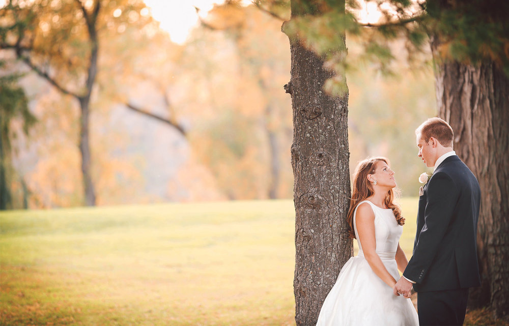 14-Minneapolis-Minnesota-Wedding-Photography-by-Vick-Photography-Woodhill-Country-Club-Golf-Course-Autumn-Fall-Colors-Elle-and-Tyler.jpg