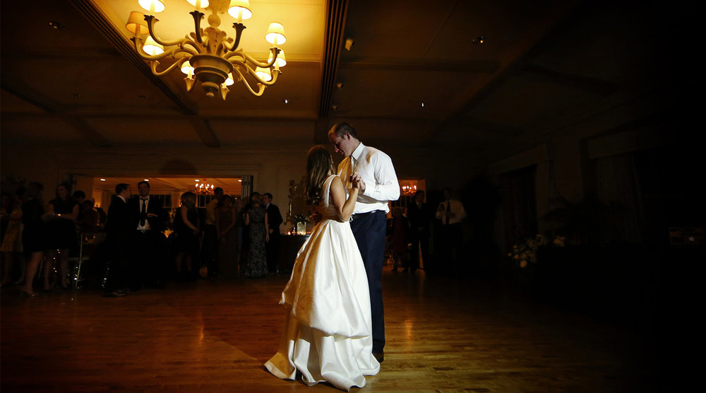 19-Minneapolis-Minnesota-Wedding-Photography-by-Vick-Photography-Woodhill-Country-Club-Reception-Elle-and-Tyler.jpg