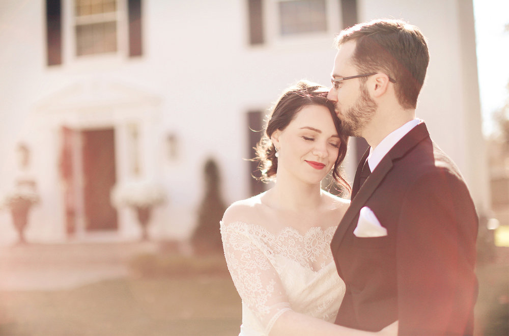 05-Minneapolis-Minnesota-Wedding-Photography-by-Vick-Photography-First-Look-Vintage-Sarah-and-Patrick.jpg
