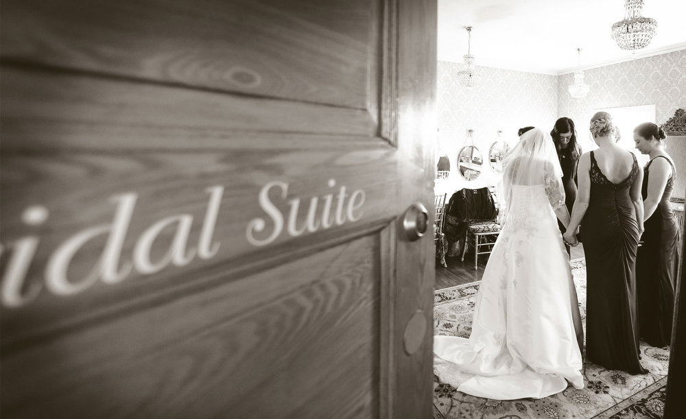 01-Minneapolis-Minnesota-Wedding-Photography-by-Vick-Photography-Semple-Mansion-Bridal-Suite-Ariel-and-Jared.jpg