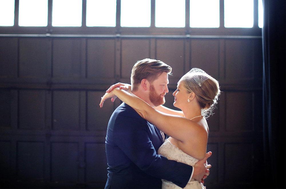 04-Minneapolis-Minnesota-Wedding-Photography-Aria-Downtown-Industrial-Heidi-and-Peter.jpg