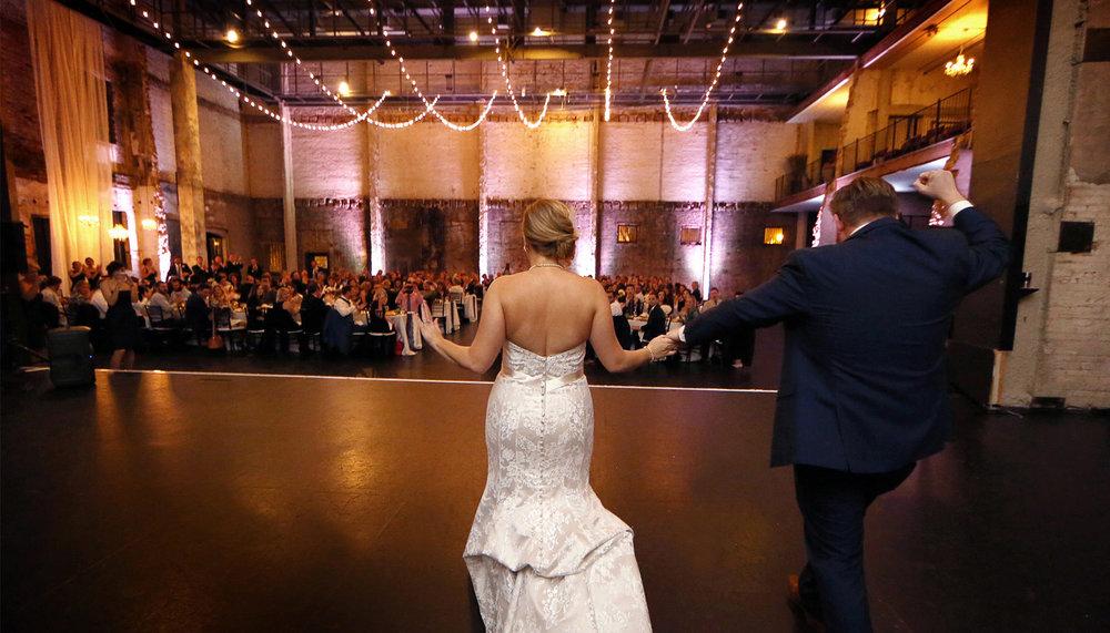 16-Minneapolis-Minnesota-Wedding-Photography-Aria-Reception-Downtown-Industrial-Heidi-and-Peter.jpg