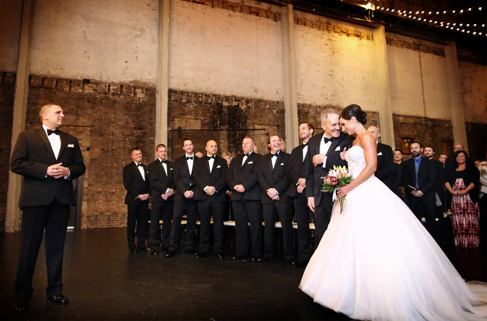 11-Minneapolis-Minnesota-Wedding-Photography-Aria-Downtown-Industrial-Ceremony-Melanie-and-Andrew.jpg