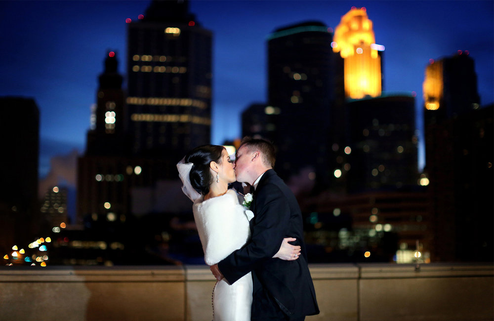 13-Minneapolis-Minnesota-Wedding-Photography-by-Vick-Photography-Downtown-Skyline-Winter-Night-Photography-Kimberly-and-Robert.jpg