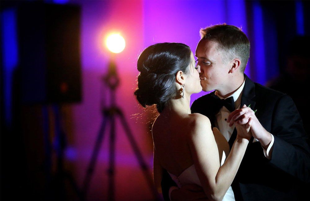 16-Minneapolis-Minnesota-Wedding-Photography-by-Vick-Photography-Downtown-The-Depot-Historic-Venue-Reception-First-Dance-Kimberly-and-Robert.jpg