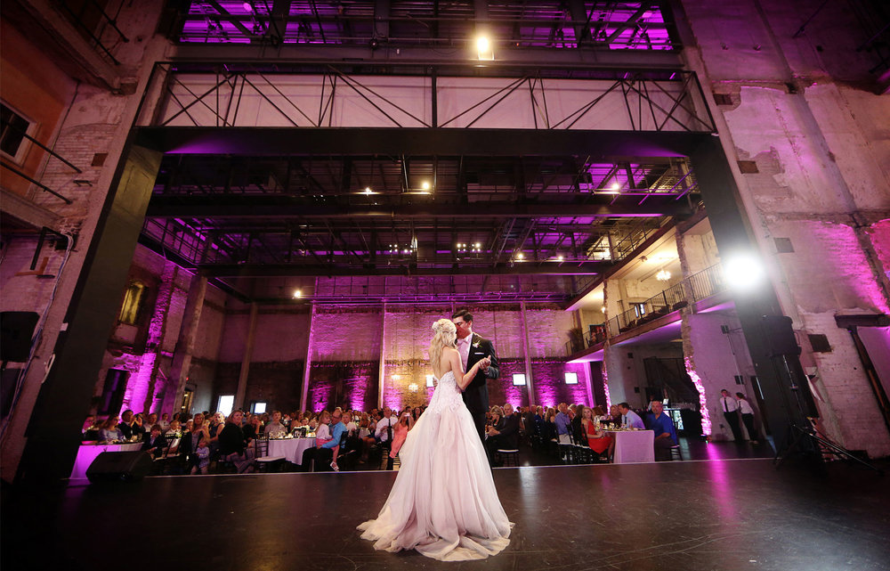 19-Minneapolis-Minnesota-Wedding-Photography-by-Vick-Photography-Aria-Downtown-Industrial-Reception-First-Dance-Nikki-and-Scott.jpg