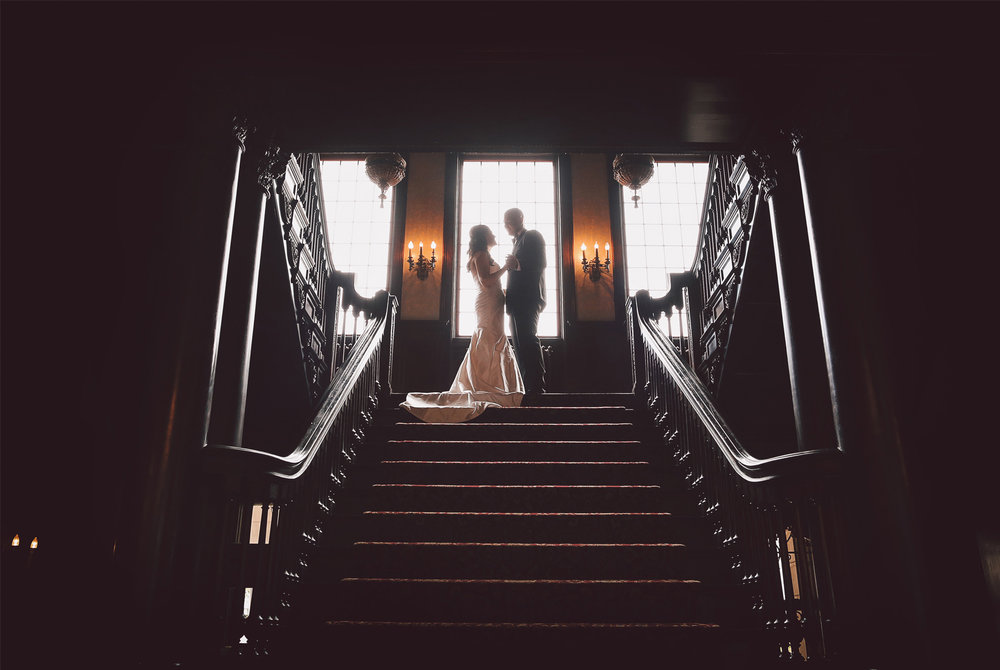 05-Minneapolis-Minnesota-Wedding-Photography-by-Vick-Photography-Semple-Mansion-First-Look-Grand-Stairs-Nikki-and-Matt.jpg