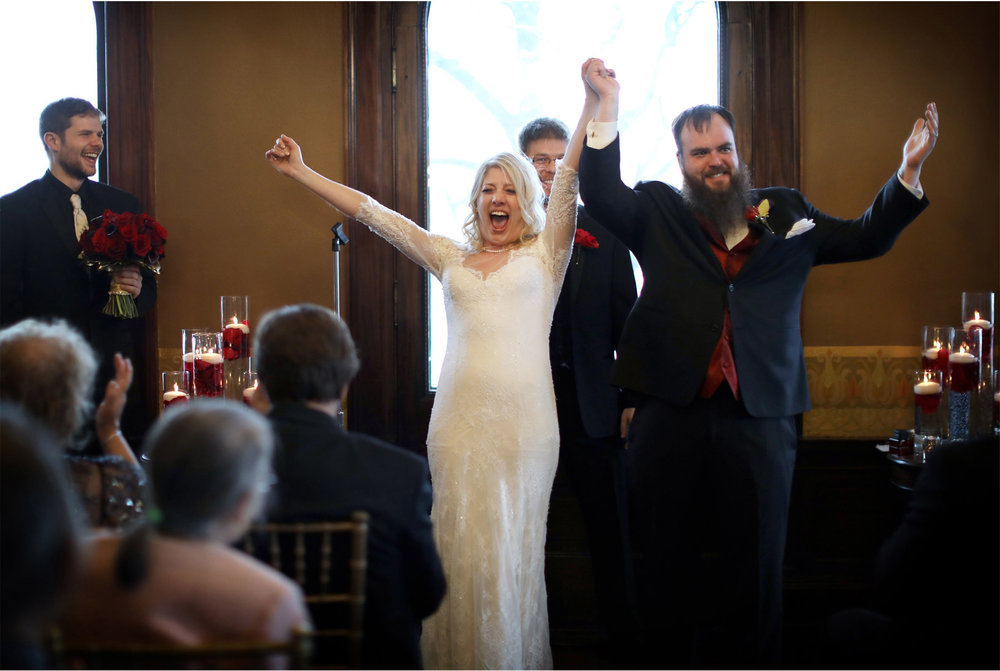 12-Minneapolis-Wedding-Photography-by-Vick-Photography-Mansion-Ceremony-Shayla-and-Kyle.jpg
