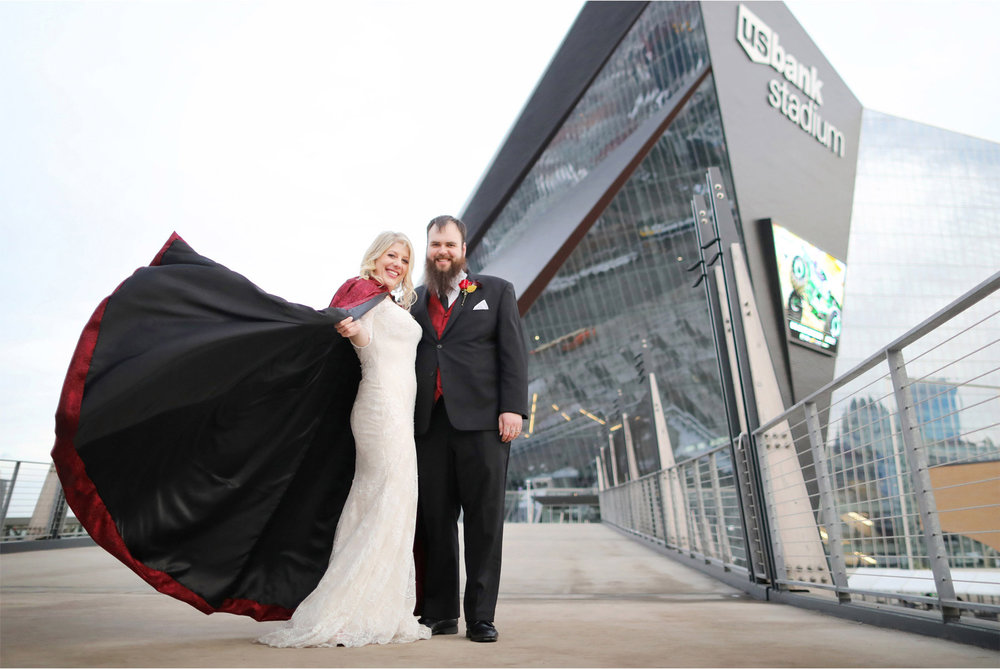 17-Minneapolis-Wedding-Photography-by-Vick-Photography-US-Bank-Stadium-Football-Vikings-Winter-Wedding-Red-Cape-Shayla-and-Kyle.jpg