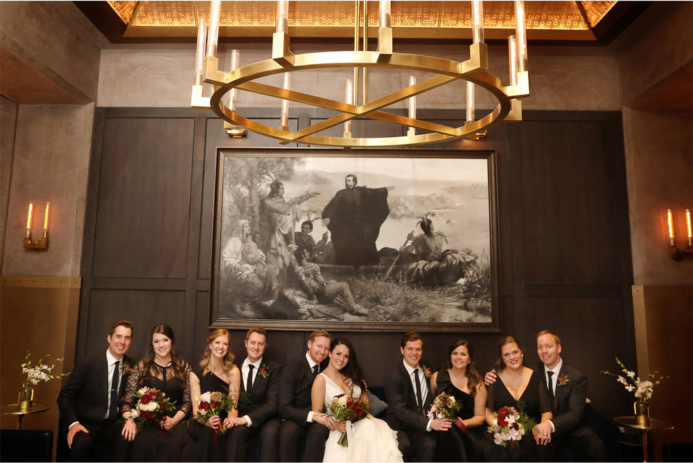 07-Minneapolis-Wedding-Photography-by-Vick-Photography-Marquette-Hotel-Wedding-Party-Group-Laura-and-Michael.jpg