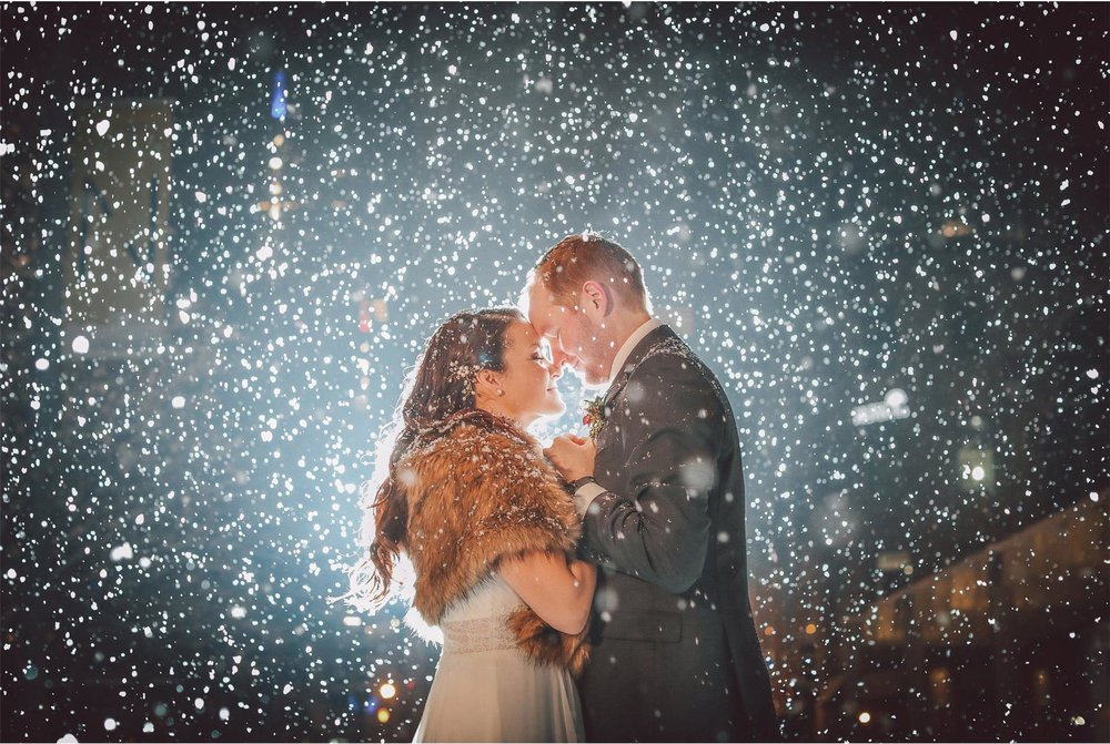 17-Minneapolis-Wedding-Photography-by-Vick-Photography-Snow-Winter-Downtown-Blizzard-Laura-and-Michael.jpg