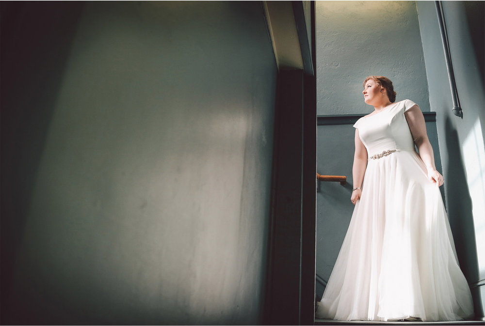 03-Minneapolis-Wedding-Photography-by-Vick-Solar-Arts-Building-Dress-Libby-and-Nathan.jpg