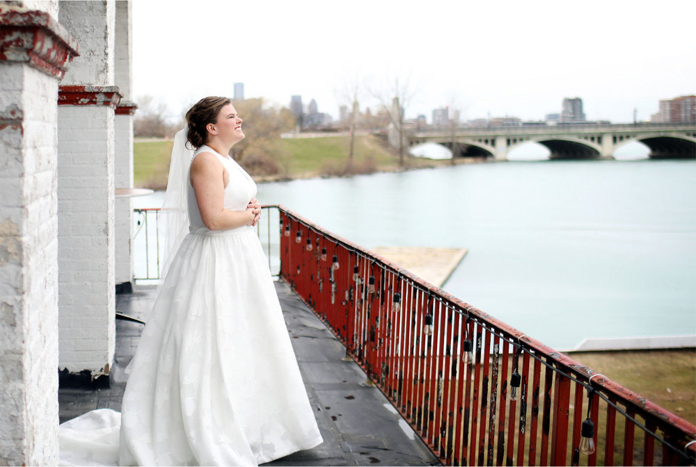 05-Michigan-Wedding-Photography-by-Vick-Photography-Belle-Isle-Boat-House-Lake-Michigan-Janell-and-Anthony.jpg