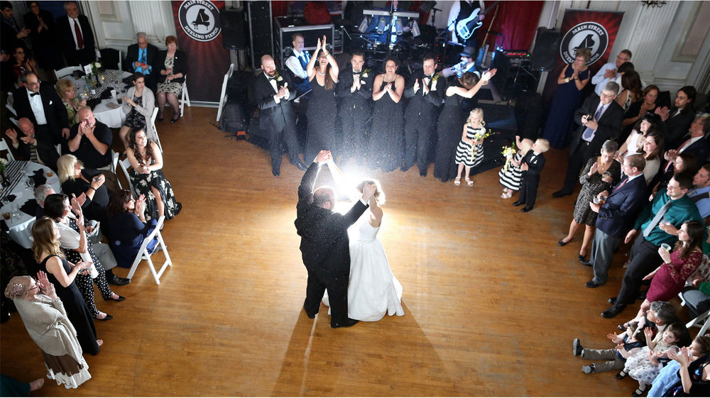 14-Michigan-Wedding-Photography-by-Vick-Photography-Belle-Isle-Boat-House-Reception-Dance-Janell-and-Anthony.jpg