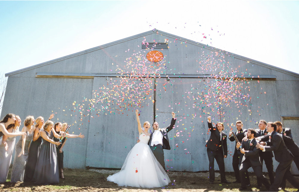 15-Minneapolis-Wedding-Photography-by-Vick-Photography-Confetti-Wedding-Party-Group-Country-Barn-Kasie-and-Joshua.jpg