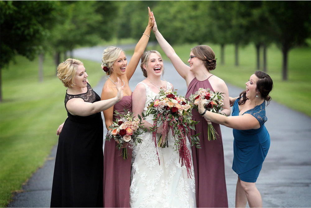 06-River-Falls-Wisconsin-Wedding-Photography-by-Vick-Photography-Bridesmaids-Britty-and-Tyler.jpg