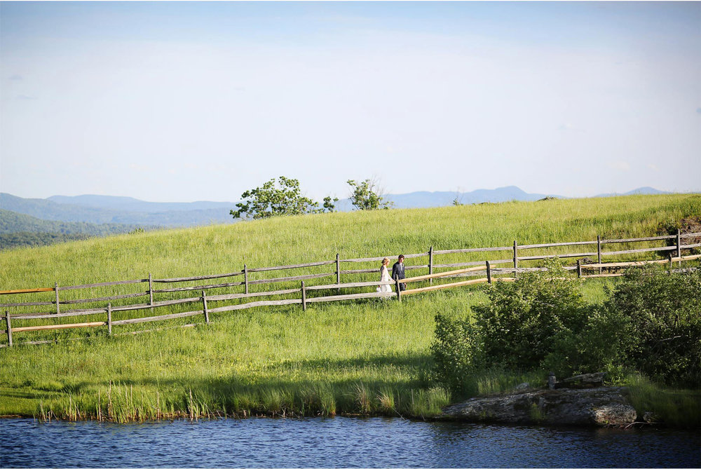 29-Stowe-Vermont-Wedding-Photography-by-Vick-Photography-Field-Sunset-Mackenzie-and-Jim.jpg