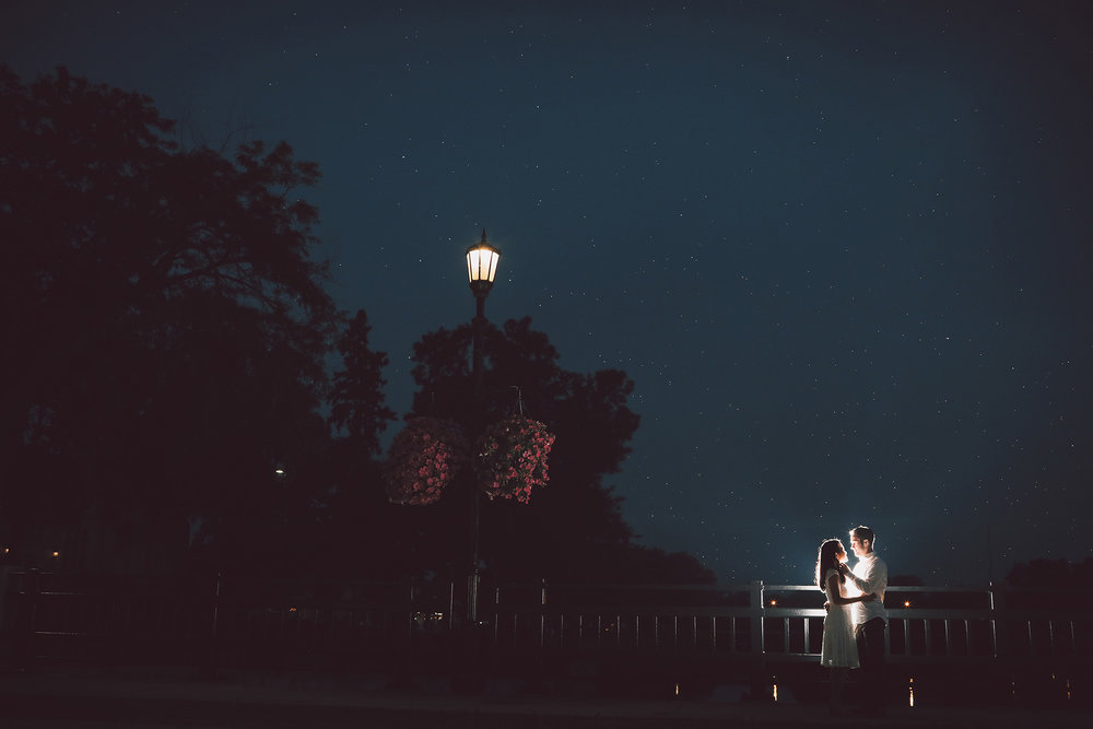 04-Vick-Photography-Engagement-Session-Night-Rain-Bridge.jpg