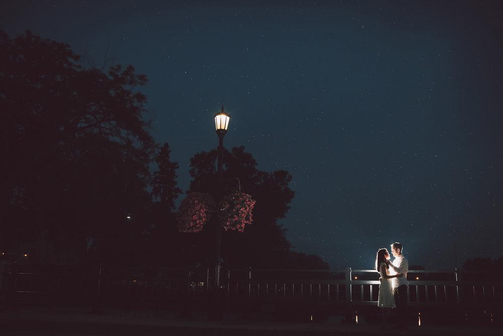 04-Vick-Photography-Engagement-Session-Night-Rain-Bridge.jpg
