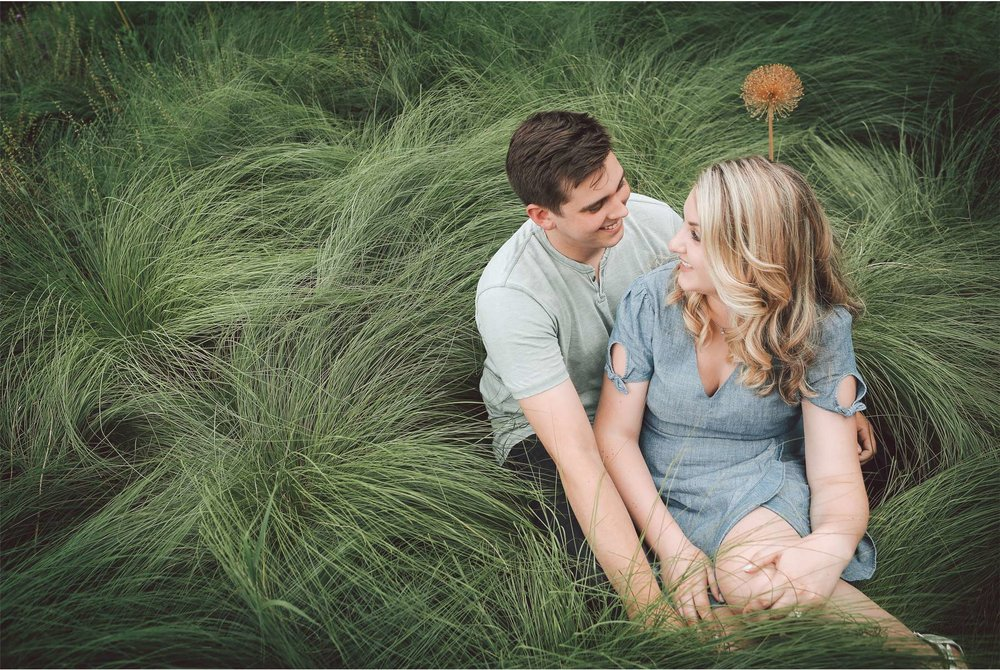 03-Minnesota-Summer-Engagement-Photography-by-Vick-Photography-Grass-Mali-and-Nick.jpg