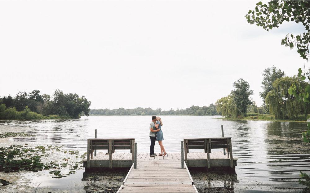 05-Minnesota-Summer-Engagement-Photography-by-Vick-Photography-Lake-Mali-and-Nick.jpg