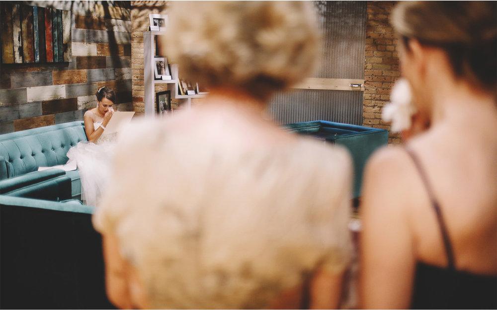 02-Minneapolis-Minnesota-Wedding-Photography-by-Vick-Photography-The-View-Minneapolis-Event-Center-Tears-and-Ernie.jpg