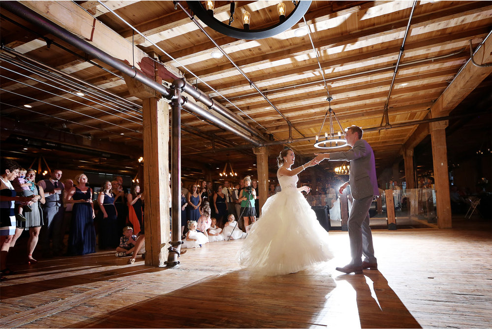 23-Minneapolis-Minnesota-Wedding-Photography-by-Vick-Photography-The-View-Minneapolis-Event-Center-Reception-First-Dance-Brigid-and-Ernie.jpg