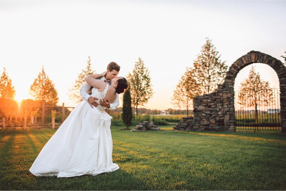 20-Minnesota-Wedding-Photography-by-Vick-Photography-Redeemed-Farm-Sunset-Rachel-and-Ricky.jpg