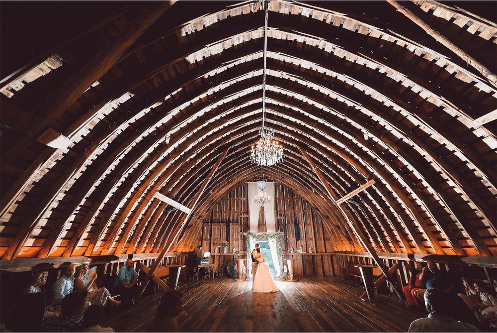 21-Minnesota-Wedding-Photography-by-Vick-Photography-Redeemed-Farm-Barn-Reception-First-Dance-Rachel-and-Ricky.jpg